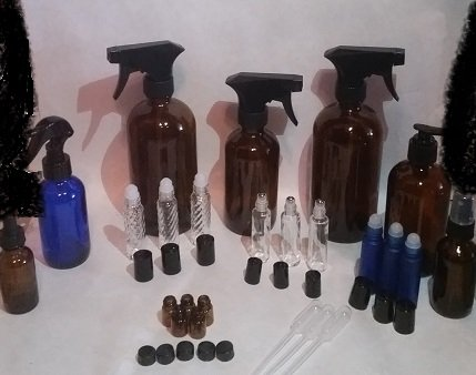 • Wonderful Kit with many sizes, perfect for making all your favorite cleaners and blends •2- Large 16 oz Amber Glass Bottle with Spray Tigger, 1- 8 oz Amber Glass Bottle with Spray Trigger • 1- 4 oz Cobalt Blue Glass Bottle with Spray Trigger, 1- 8 oz Amber Glass Pump Bottle •3- Cobalt Blue Glass Roll-on Bottles, 3- Clear Metal Roller Roll-on Bottles, 3- Clear Glass Roll-on Bottles, 5 Amber Glass Sample Vials with Reducers and Lids •1- 2 oz Amber Glass Spray Bottle, 1- 2 oz Amber Glass Dropper Bottle, and 3 Easy-Fill Pipettes